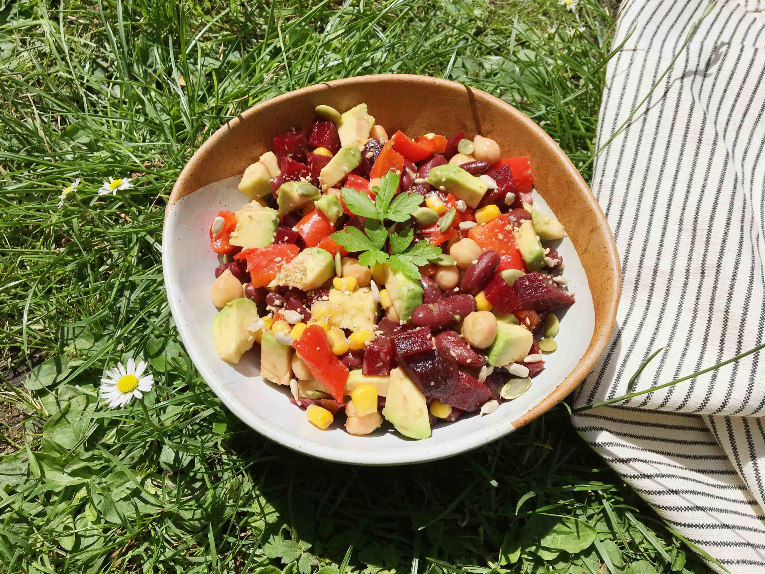 Méli-Mélo Beans, Corn and Beetroot Salad